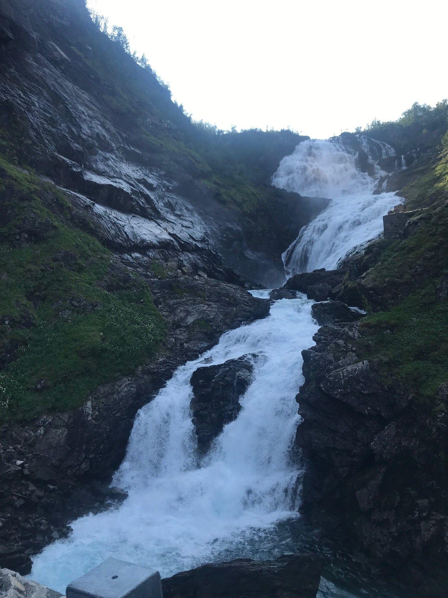 Wasserfall bei Vatna Halsen